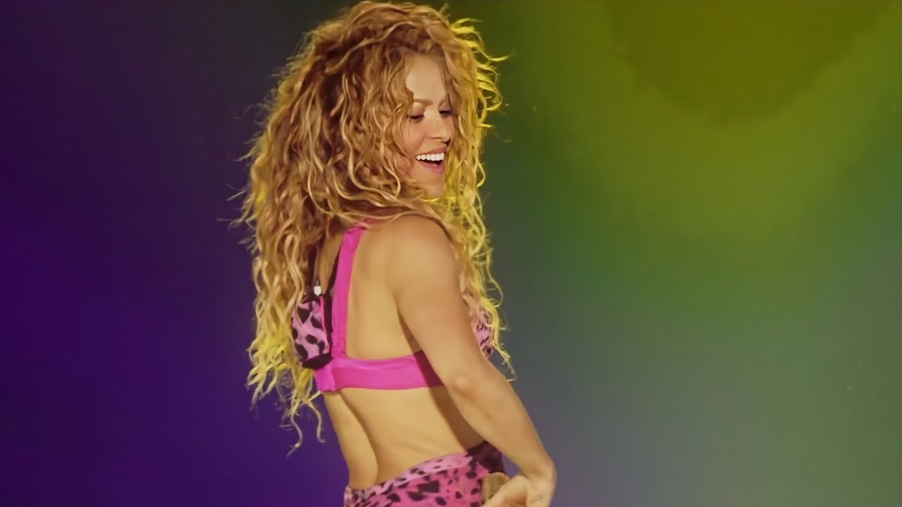 Shakira – Hips Don't Lie ft. Wyclef Jean
